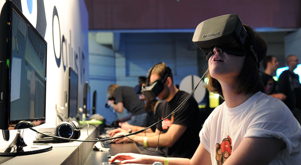 How Virtual Reality can Interfere with Human Behavior